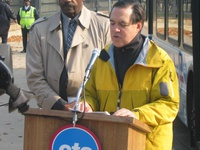 CTA President Frank Kruesi discusses the benefits the 1000-series will bring to CTA customers and the environment during a press conference on November 8, 2006.