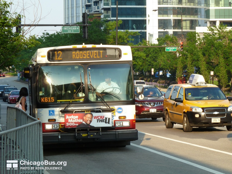 Photo of a 1000-series New Flyer D40LF at Roosevelt and Michigan, working route #12 Roosevelt, on May 24, 2010.